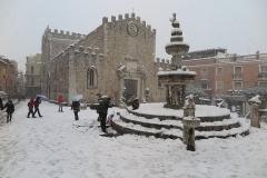 Neve-Taormina-Duomo
