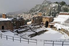 Taormina-Neve-Teatro-Greco